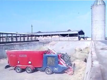 Cамоходный смеситель-кормораздатчик Siloking на 30 куб.м. запущен в Волгоградской области!